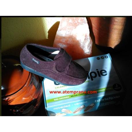 Zapato de confort con velcro