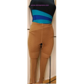 Panty con abertura entrepierna