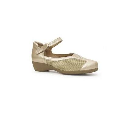Zapato abierto con hebilla
