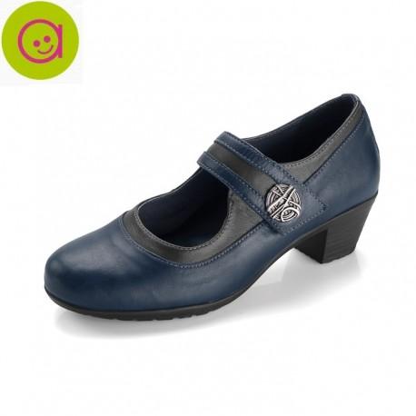 Zapato tipo mercedita con tacón